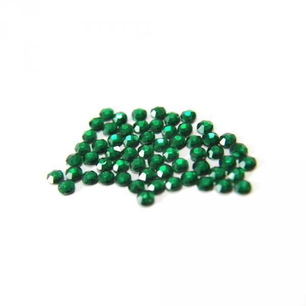 Стразы клеевые зеленые