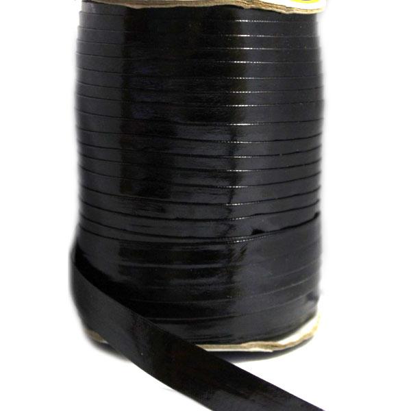 Косая бейка из кожзама чёрная лаковая, 2 см